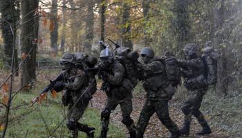 'NAVO-flitsmacht uitbreiden naar 30.000 militairen'