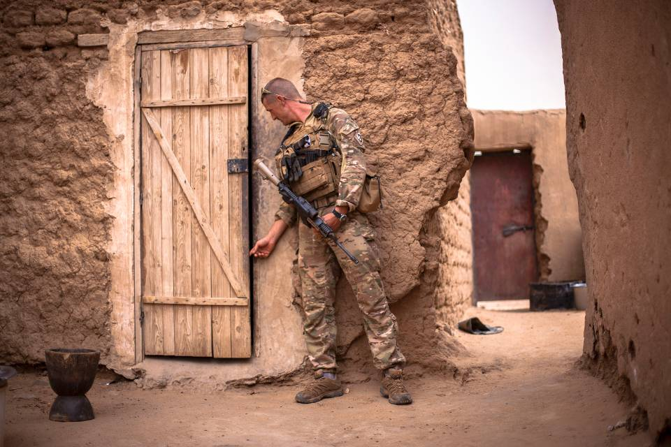 Nederlandse militair op missie in Mali (foto: Defensie)