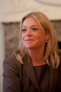 Minister Hennis