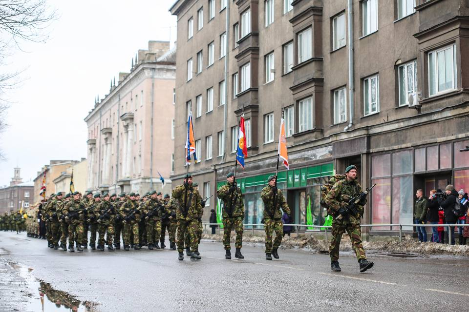 Parade in Estland (foto: ministerie van Defensie)