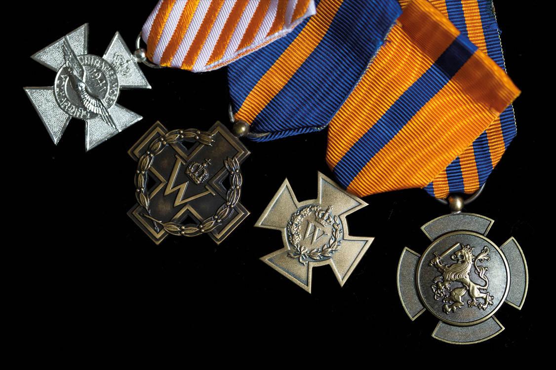 Het AOW-gat en de onderscheidingen