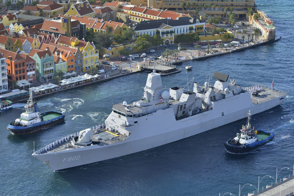 Zr. Ms. De Zeven Provinciën in Curaçao, de West