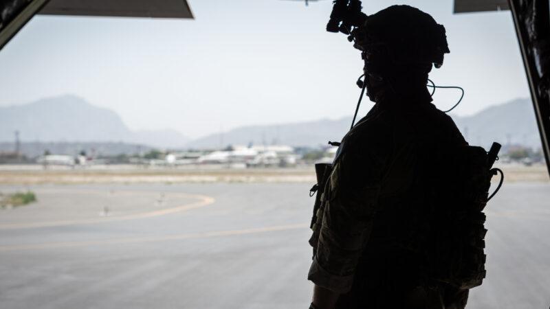 Politici anno 2021: Eerst Defensie afbreken, en dan vragen waar de militairen zijn